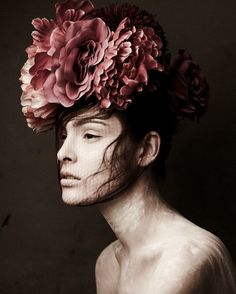 Fabulous floral!! this is like the hat I made for the Xmas Ball '12!!
