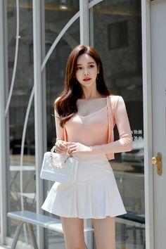 Pretty Korean Girls, Korean Beauty Girls, Cute Asian Girls, Fashion Models, Girl Fashion, Girl Outfits, Fashion Outfits, Fashion Hacks, Beautiful Asian Women