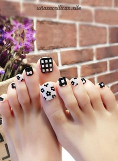 Pretty Toe Nails, Pretty Toes, Fun Nails, Toe Nail Art, Acrylic Nails, Toenail Art Designs, Cute Pedicures, Long Toenails, Creative Nails
