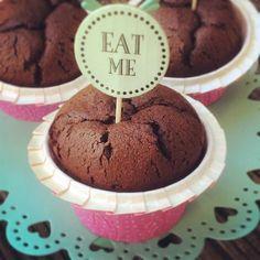 Nach dem wahnsinnigen Erfolg der Pure Vanilla Cheesecakes und des Strawberry Cheesecake, bei dem hier der Blog glühte vor lauter Klicks (inzwischen glaube ich fast 50.000 Mal angesehen!) , ist es an der Zeit, einen…