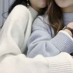 petitclub — ✃ ┈ 𝑎𝑒𝑠𝑡ℎ𝑒𝑡𝑖𝑐 𝑝𝑎𝑐𝑘𝑠 ♥︎_ 𝖻𝗅𝗎𝖾𝗂𝗌𝗁 𝗎𝗅𝗓𝗓𝖺𝗇𝗀 ⚠︎ ┊like. Cute Lesbian Couples, Lesbian Love, Ulzzang Couple, Ulzzang Girl, Korean Couple, Korean Girl, Foto Best Friend, Korean Best Friends, Girlfriend Goals