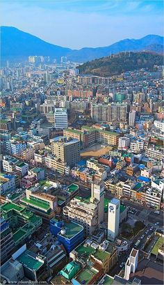 Busan, South Korea - How many roof-top tennis courts does one city need? #LearnKorean #StudyKorean #KoreanLanguage