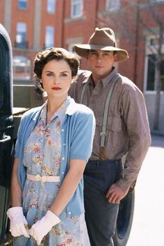 """Keri Russel and Skeet Ulrich in """"The Magic of Ordinary Days"""""""