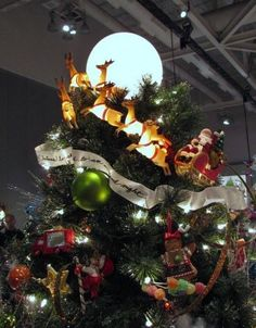 Christmas Tree Topper Inspiration from the Akron Tree Festival - Part 2 55 Beautiful Christmas Tree Diy Christmas Tree Topper, Creative Christmas Trees, Beautiful Christmas Trees, Christmas Tree Themes, Christmas Angels, All Things Christmas, White Christmas, Christmas Holidays, Christmas Crafts