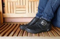 Alegria Caiti Desert Black - now on Closeout! | Alegria Shoe Shop #AlegriaShoes #sale #closeouts
