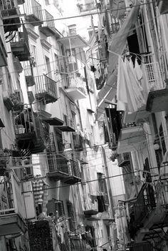 Vente de tirages photo avec Picto WhiteLab : Rue de Naples (Napoli) | Côté Maison (groupe L'Express)