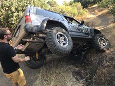 Jeep cherokee xj almost roll