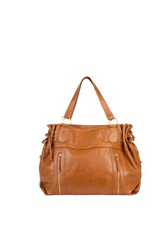 Brown is our favourite go to bag colour for this season! #fall #trends #costablanca