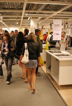 Barefoot shopping in Ikea
