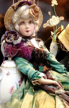 Antique French boudoir doll. Poupée Boudoir by FashionanticVintage