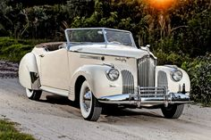 One of 35 built for a Darrin-designed Packard One Eighty Convertible Victoria heads to auction in Auburn Retro Cars, Vintage Cars, Antique Cars, Convertible, Dream Cars, Automobile, Classic Car Restoration, Old Classic Cars, Classic Style