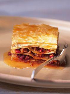 Ricardo& Recipe : Maple and Pecan Baklava Dessert Ricardo, Bon Dessert, Pastry Recipes, Baking Recipes, Baklava Recipe, Ricardo Recipe, Hummus Recipe, Toasted Pecans, Middle Eastern Recipes