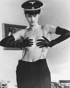 "Model: Charlotte Rampling Photo: Helmut Newton A Retro Photo from this months Harpers Bazaar - ""Women Who Rule"" Más Charlotte Rampling, Helmut Newton, The Night Porter, Photo Star, Richard Avedon, Classic Actresses, Mannequins, Beautiful People, Celebs"