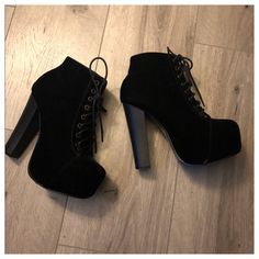 Cute Shoes Heels, Pretty Shoes, Cute Black Heels, Black Heel Boots, Heeled Boots, Platform Ankle Boots, Black Platform, Ankle Boot Heels, Fashion Boots