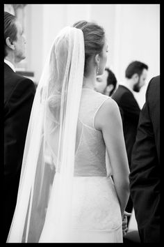 Wedding Ponytail Hairstyles, Bridal Ponytail, Veil Hairstyles, Stunning Wedding Dresses, Country Wedding Dresses, Colored Wedding Dresses, Casual Wedding, Girls Hairdos, Bridal Hair And Makeup
