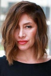 Shoulder Length Side Swept Bob ❤ There are plenty of great short hairstyles for women over Which haircut to have and how to style it we show in these photos. Little Girl Hairstyles, Short Hairstyles For Women, Haircuts For Men, Trendy Hairstyles, Hair Styles For Women Over 50, Medium Hair Styles, Curly Hair Styles, Shoulder Hair, Shoulder Length