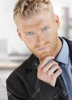 modelos rubios de ojos azules - Buscar con Google