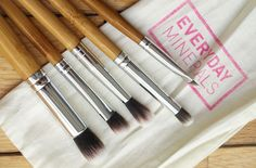 The Black Pearl Blog - UK beauty, fashion and lifestyle blog: Everyday Minerals Large/Deluxe Eye Brush Set Review