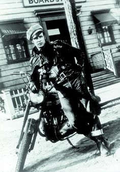 Marlon Brando in una foto promozionale per Il selvaggio