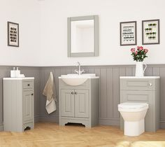 The classic style of this bathroom gives a refreshing but cosy atmosphere.