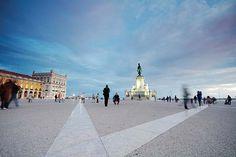 Lisboa abre museu de cervejas, lojas e restaurantes no Terreiro do Paço - Folha de São Paulo 16.06.2012 | Terreiro do Paço, em Portugal, que foi revitalizado e aberto ao público com lojas e restaurantes