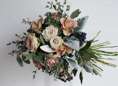 #novarese#VressetRose#Wedding #pink #smokypink #Round #bouquet #clutchbouquet #natural #Flower #Bridal#ノバレーゼ#ブレスエットロゼ #ウエディング#ピンク #スモーキーピンク #シンプル #ブーケ #クラッチブーケ # ナチュラル# 花#バラ#ナチュラル #ブライダル#結婚式