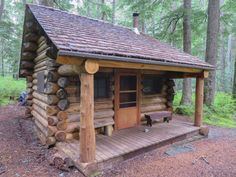 009 Small Log Cabin Homes Ideas Small Log Cabin, Tiny Cabins, Little Cabin, Tiny House Cabin, Log Cabin Homes, Cabins And Cottages, Log Cabins, Diy Log Cabin, Tiny Houses