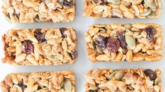 Healthy Granola Bar I made chewy free gingerbread spice granola bars by subbing the puffed rice cereal for gf rice krispies & switching the apple pie spice for gingerbread spice. 25 minutes from start to first bite! Menu Sans Gluten, Gluten Free Menu, Gluten Free Snacks, Lunch Box Recipes, Snack Recipes, Cooking Recipes, Easy Snacks, Healthy Snacks, Granola Barre