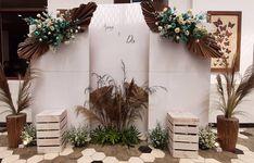 Wedding Stage Backdrop, Wedding Backdrop Design, Diy Wedding Reception, Wedding Wall Decorations, Engagement Decorations, Backdrop Decorations, Backdrops, Theme Color, Simple Weddings