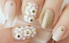 Marc Jacobs Daisy Nails Tutorial // elleandish