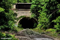 Breezewood: Abandoned PA Turnpike
