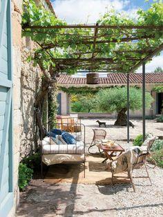 Schön renoviertes altes Bauernhaus in Cáceres, Spanien Outdoor Rooms, Outdoor Gardens, Outdoor Living, Outdoor Decor, Pergola Patio, Backyard, Porch And Terrace, Gazebos, Old Farm Houses