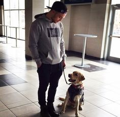 Arizona Coyotes: Max Domi with his best friend, diabetic alert dog Orion Stars Hockey, Ice Hockey, Montreal Canadiens, Diabetic Service Dogs, Max Domi, Hockey Girls, Hockey Baby, Soccer, Arizona Coyotes