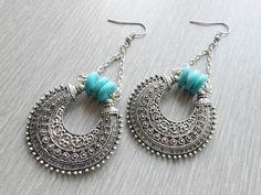 Boucles d'oreille charms lune par JewelryByPlk sur Etsy