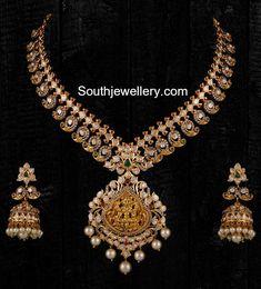 Stunning Mango Haram and Jhumkas Set - Indian Jewellery Designs Mango Mala Jewellery, Gold Temple Jewellery, Gold Jewellery Design, Rose Gold Jewelry, Diamond Jewelry, Saree Jewellery, Designer Jewellery, Diy Jewellery, Fashion Jewellery