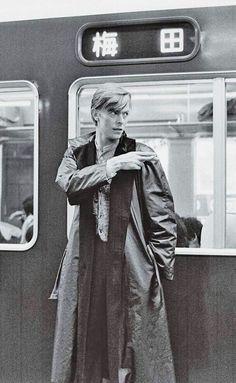デビッド ボウイ 阪急 David Bowie in Kyoto, Japan 1980 The Velvet Underground, Ziggy Stardust, Lady Stardust, Major Tom, Davy Jones, Iggy Pop, Martin Scorsese, Stanley Kubrick, Bob Dylan
