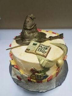Harry Potter baby shower cake. Welcome to Hogwarts little muggle baby