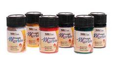 ''HobbyLine'' Márványozó festék 20ml: Magic Marble az ideális márványozó festék, mely műanyag, acryl, üveg, fa, papírmasé, kifújt tojás, gyertya, fém, hungarocell, papír, de szövet és selyem festésére alkalmas. Oldószert tartalmaz, fény és időjárásálló, gyullékony.