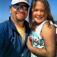 Avery and Daddy on the beach