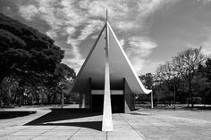 Oscar Niemeyer Through the Lens of Haruo Mikami,Church of Our Lady of Fatima. Image © Haruo Mikami