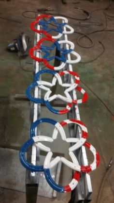Patriotic horseshoes star art