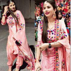 Patiala Salwar Suits, Salwar Suits Party Wear, Designer Punjabi Suits, Indian Designer Wear, Indian Suits, Indian Wear, Churidar Designs, Embroidery Suits Design, Boutique Suits