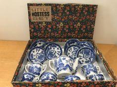 Little Hostess Blue Willow tea set Blue Willow China, Blue And White China, Blue Chinaware, Childrens Tea Sets, Willow Pattern, White Stuff, China Patterns, Vintage China, Bone China
