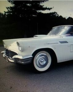 1959 Ford Thunderbird with the top down! Don't you just love #ThrowbackThursday http://www.ebay.com/itm/Ford-Thunderbird-Original-1957-ford-t-bird-thunderbird-classic-rare-antique-collectors-/161189424201?forcerrptr=true&hash=item2587a36c49&item=161189424201&pt=US_Cars_Trucks?roken2=ta.p3hwzkq71.bdream-cars
