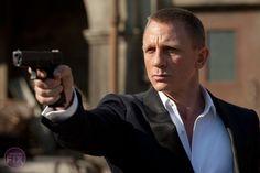 I recently watched Skyfall , the latest James Bond movie, starring Daniel Craig. I must admit Daniel Craig is by far the sexiest 007 brou. Daniel Craig James Bond, Meg Ryan Hairstyles, Teen Hairstyles, Haircuts, Rachel Weisz, Daniel Graig, Film Script, Best Bond, Cinema