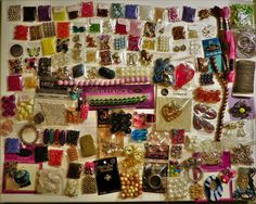 9.99 HUGE LOT OF BEADS VARIOUS SIZES JEWELRY MAKING SUPPLIES FINDINGS PENDANTS CHARMS #Assorted