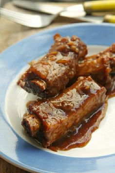 CHAR SIU RIBS ==  3-pounds (1,4kg) pork ribs, trimmed of excess fat cut into sections of 3-4 ribs, 1 t salt, One 8-ounce (240g) jar Char Siu sauce, 1 c (250ml) beer, 1/4 c (60ml) pickle juice (or cider vinegar), 2 t Sriracha sauce (or similar chili sauce), 2 cloves garlic peeled and minced ====