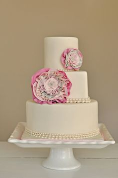 Wedding Cake with huge pink flowers
