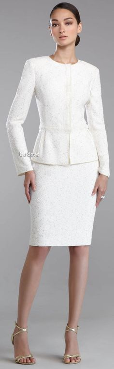 John Collection Golden-Flecked Tweed Knit Jacket & Pencil Skirt Great suit for the bride! Business Outfit Frau, Business Attire, White Fashion, Work Fashion, Fashion Looks, Knit Sweater Dress, Knit Jacket, The Dress, Peplum Dress