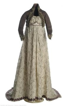 Dress and spencer, 1800's. Museo del Traje.